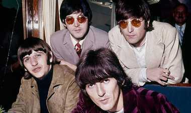 Peralatan Drum The Beatles dalam Lagu Love Me Do Dilelang