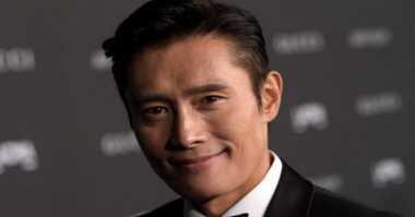 Sibuk, Lee Byung Hun Tolak Bintangi Advance