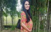 FOTO: Kartika Putri Pasang Foto Hamil