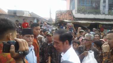 Anak Presiden Jokowi Ikut Bagikan Sembako
