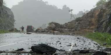 INFO MUDIK: Jalur Trans-Sulawesi Rawan Longsor, Pemudik Diminta Hati-Hati