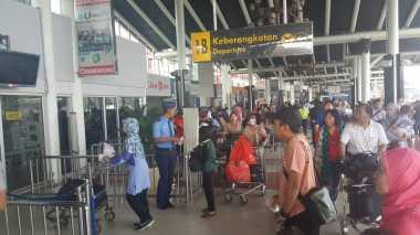 INFO MUDIK: Arus Mudik di Bandara Soetta Belum Terlihat