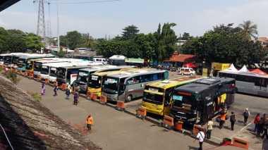 Walkot Jakarta Timur Pantau Arus Mudik di Terminal Kampung Rambutan