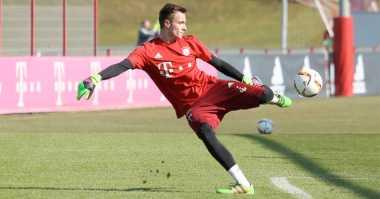 Bayern Munich Promosikan Kiper 16 Tahun ke Tim Utama