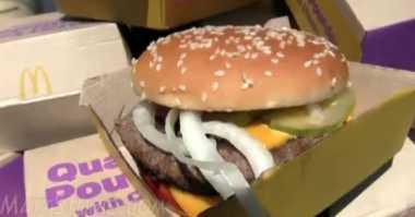 Wow, Matt Stonie Habiskan 10 Burger Jumbo dalam 7 Menit