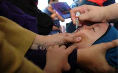 Petugas Kebersihan Temukan Puluhan Botol Vaksin Palsu