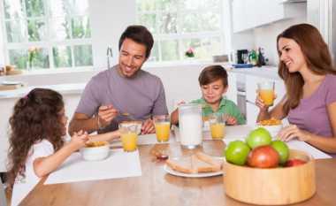 Moms, Ini Waktu Sarapan yang Tepat untuk Anak