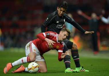 Manchester United Pinjamkan Bek Mudanya Menuju Klub Bundesliga