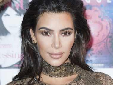 Kim Kardashian Dihadiahi Dompet Mahal oleh Restoran Fast Food