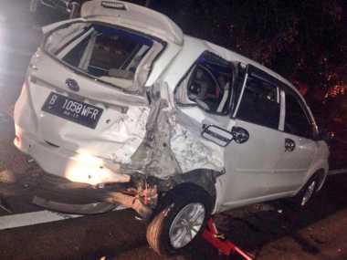 Dua Mobil Terlibat Kecelakaan di Tol Dalam Kota