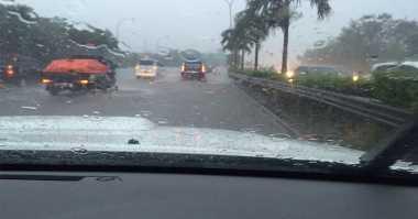 Imbas Hujan Lebat, Tol Jorr Tergenang dan Lalin Tersendat