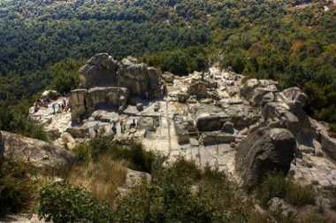 Bulgaria Buka Objek Wisata Bertemakan Vampir