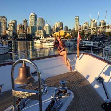 Cinta Laura Berlibur Sambil Kerja di Kanada