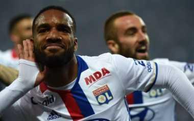 Gagal Dapatkan Morata dan Higuain, Arsenal Kini Incar Bomber Lyon