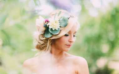 Perbedaan Aplikasi Make-Up Pesta Pernikahan Outdoor & Indoor