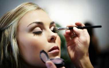 Rahasia Make-Up Tahan Lama untuk Pengantin