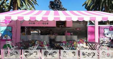 Ini Kafe Hello Kitty Pertama di Amerika Serikat