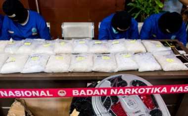 Sembunyikan Sabu di Popok, Puci Ditangkap di Bandara