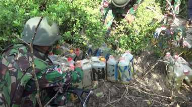 Penyelundupan 600 Liter BBM di Perbatasan Digagalkan TNI