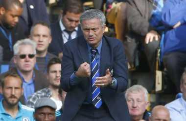 Mourinho Bakal Jabat Tangan Guardiola di Derby Manchester
