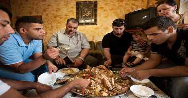Begini Tradisi Bersantap Masyarakat Arab