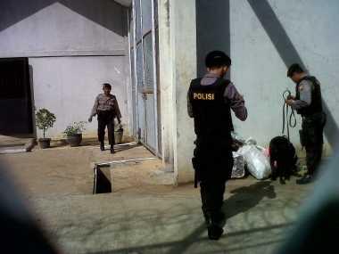 Razia Lapas Bentiring, Polisi Terjunkan Anjing Pelacak