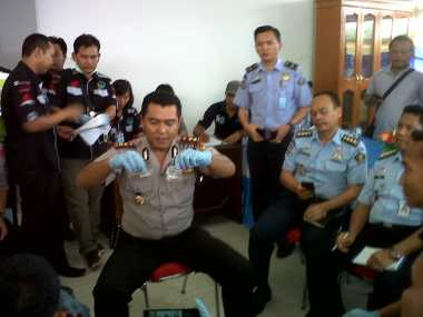 Acak-Acak Lapas Bentiring, Polisi Temukan Sabu hingga Uang Asing