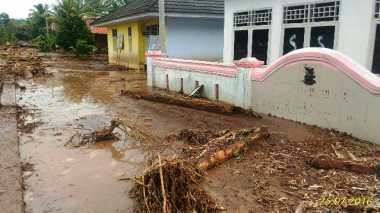 Partai Perindo Banten Siagakan Ambulans Bantu Korban Banjir Bandang