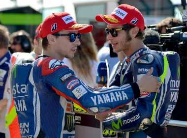 Hot Sport: Rossi dan Lorenzo Butuh Keberuntungan untuk Kejar Marc Marquez