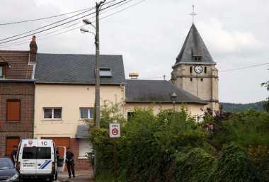 Paus Fransiskus Berbelasungkawa atas Pembunuhan Pastor di Gereja Prancis