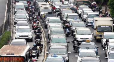Uji Coba Perdana, Banyak Mobil Berpelat Genap Nekat Menerobos