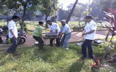 10 Makam Fiktif di TPU Jeruk Purut Dibongkar