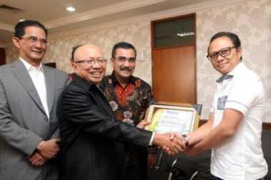 Peradi Beri Piagam Penghargaan ke Polres Jakut