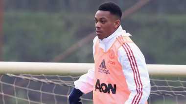 Sempat Ngambek, Martial Akhirnya Kembali Follow Twitter dan Instagram Man United