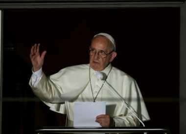 Paus Fransiskus: Dunia Sedang Perang, tetapi Bukan Perang Agama