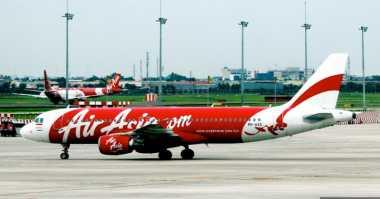 Delay Lima Jam, Penumpang Air Asia Telantar di Bandara