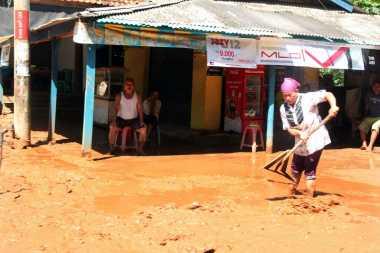 Banjir di Serang Surut, Masyarakat Butuh Air Bersih