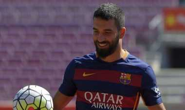 Barcelona Sangkal Rumor Ingin Jual Arda Turan