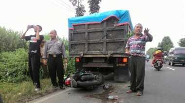 """""""Cium"""" Truk yang Sedang Parkir, Syaifuddin Luka Parah"""