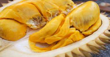 FOTO: Bikin Ngiler Chef Chandra  Pamer Makan Durian