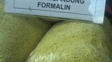 1,5 Ton Mi Kuning Berformalin Ditemukan di Pasar Bulak Klender