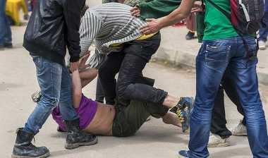 Curi Sepeda di Asrama Polisi, Tiga Pria Dihajar Massa