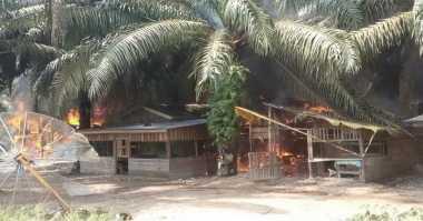 Kerusuhan di Sumatera Barat, Bupati: Rumah yang Dibakar Kamp Kosong
