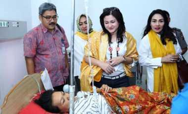 Istri Setya Novanto Blusukan ke Sumbar
