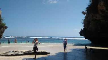 Rahasia Pesona Indonesia di Balik Keindahan Pantai Suluban Bali