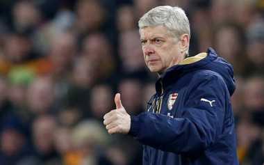 Wenger Puji Penampilan Bek Anyar Arsenal