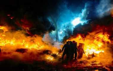 Terdengar Suara Tembakan saat Polisi Buru Pembakar Pos Polisi di Relokasi Sinabung