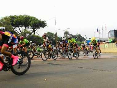Wajah Ibu Kota Pagi Ini Dihiasi Tour de Jakarta 2016