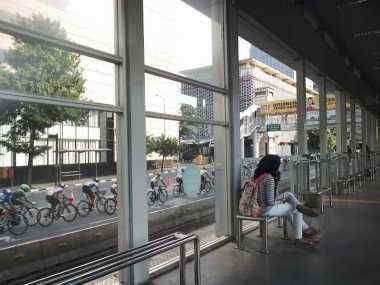 Dari Sini Paling Enak Sensasi Nonton Tour de Jakarta 2016