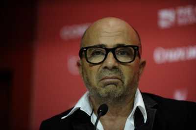 Tidak Hanya Messi, Presiden AFA Juga Akan Bertemu Jorge Sampaoli